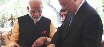 Mahabalipuram: Prime Minister Narendra Modi and Chinese President Xi Jinping exchange gifts on the 2nd day of an Informal Summit, in Tamil Nadu's Mahabalipuram on Oct 12, 2019. (Photo: IANS/PIB)