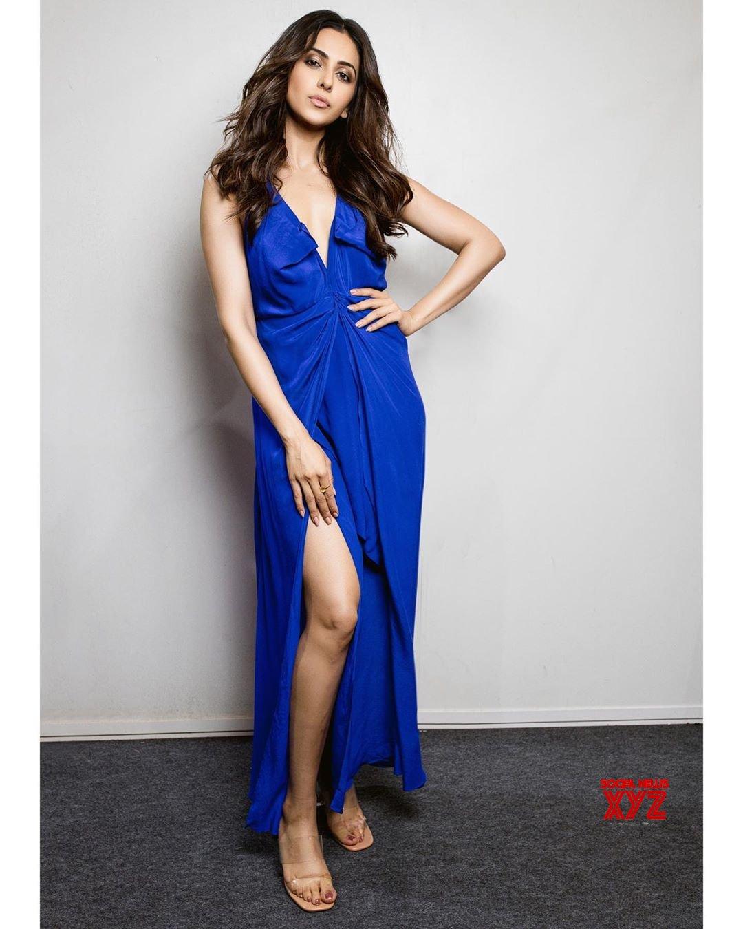 Actress Rakul Preet Singh Hot Glam Stills From Daniel Wellington Event