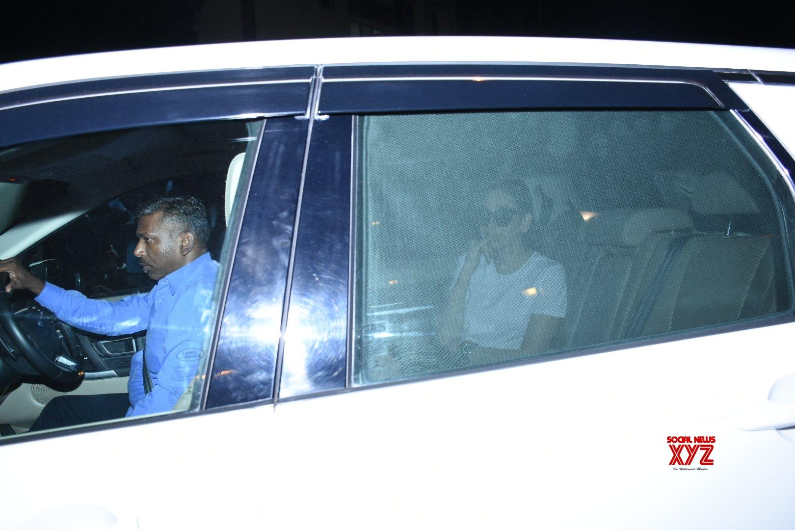 Mumbai: Karisma Kapoor seen at Kareena Kapoor's residence #Gallery