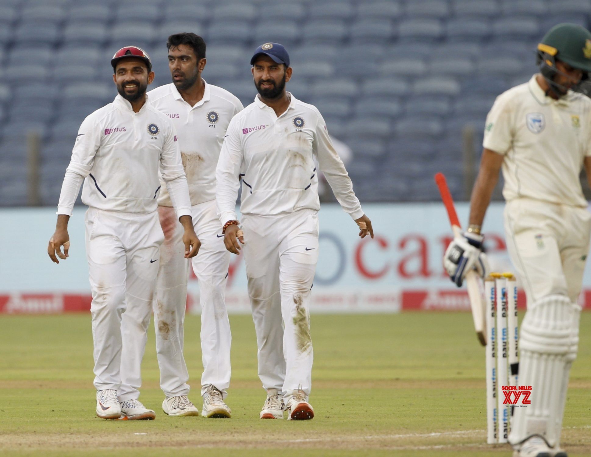 Pune: 2nd Test - India Vs South Africa - Day 3 (Batch - 21) #Gallery