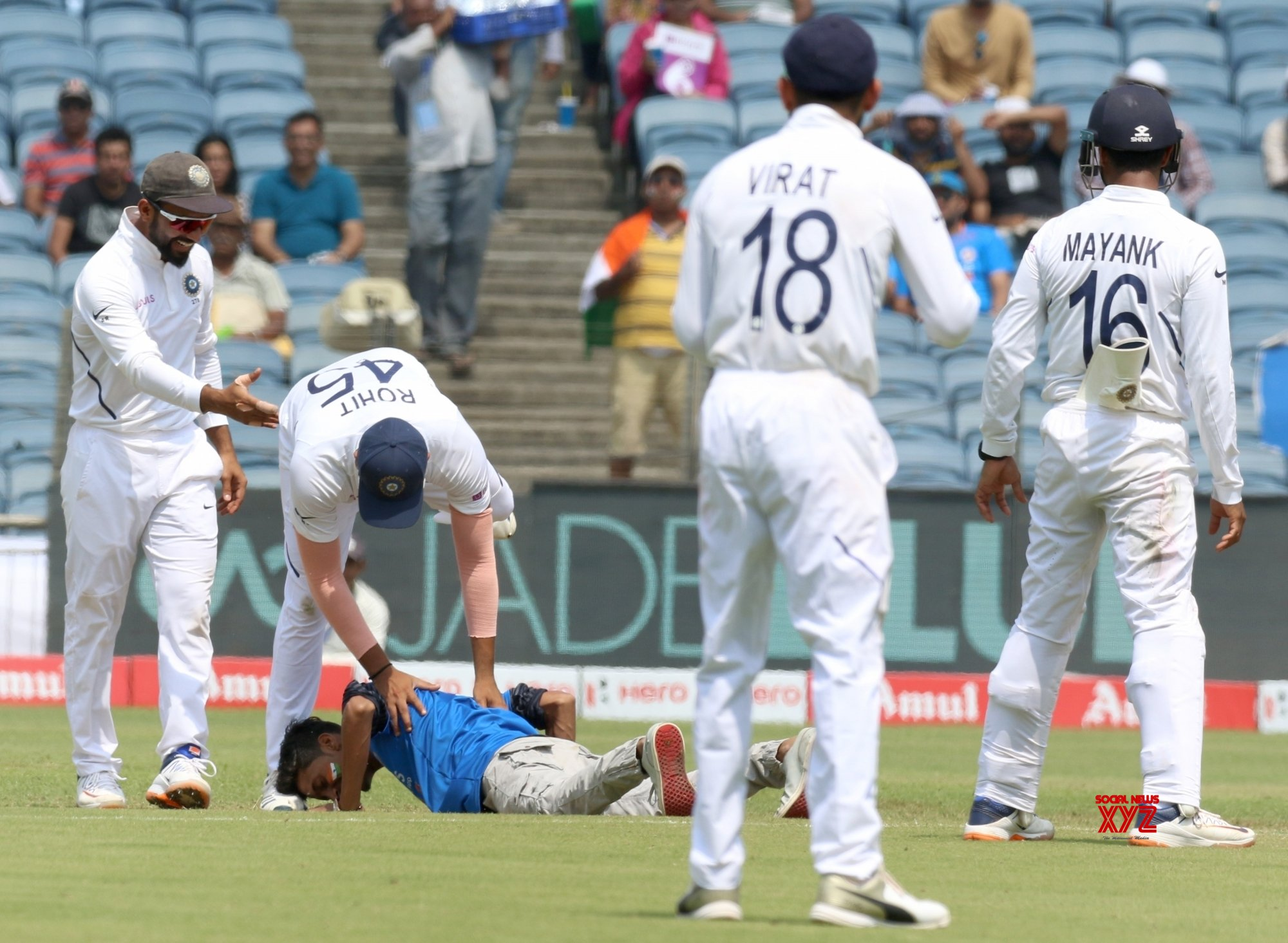 Pune: 2nd Test - India Vs South Africa - Day 3 (Batch - 11) #Gallery