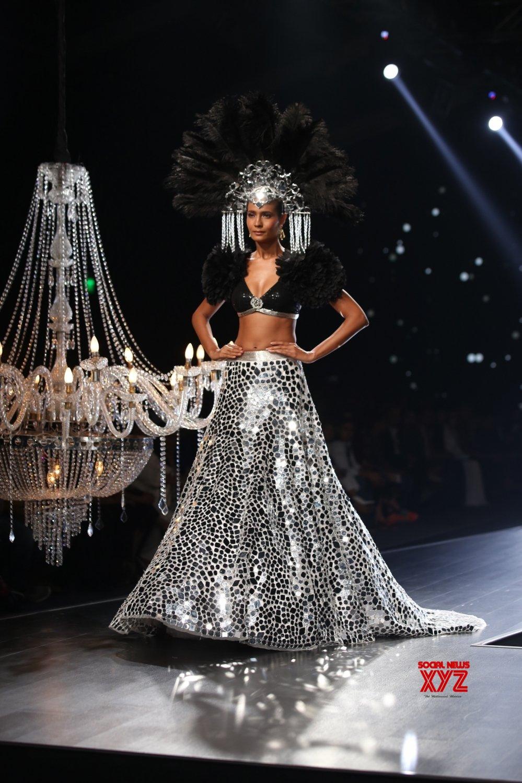 New Delhi: Lotus Make - up India Fashion Week - Suneet Varma's creations showcased #Gallery