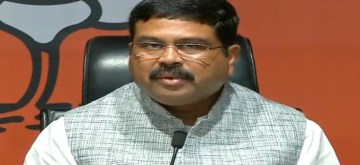 New Delhi: Union Minister Dharmendra Pradhan addresses a joint press conference at the BJP Headquarters, in New Delhi on Oct 1, 2019. (Photo: IANS)