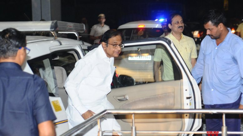 Chidambaram walks out of Tihar jail after 106 days