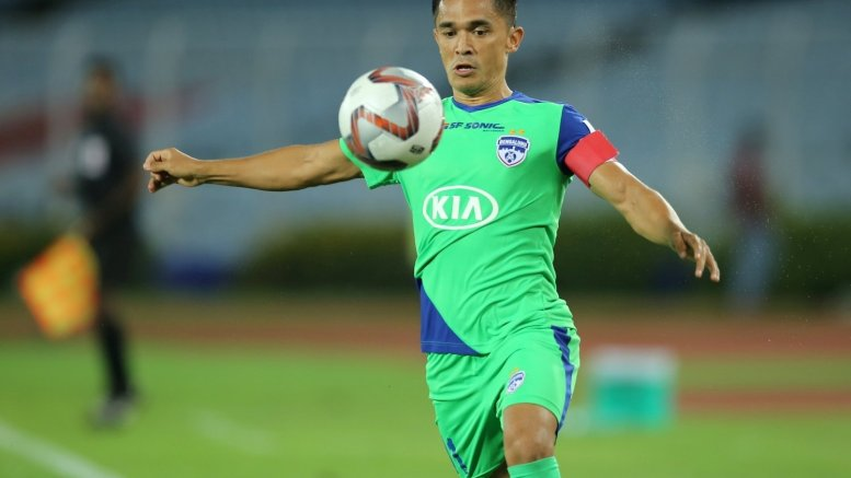 Two kids talking about growing up in 90s: Chhetri on chat with Kohli