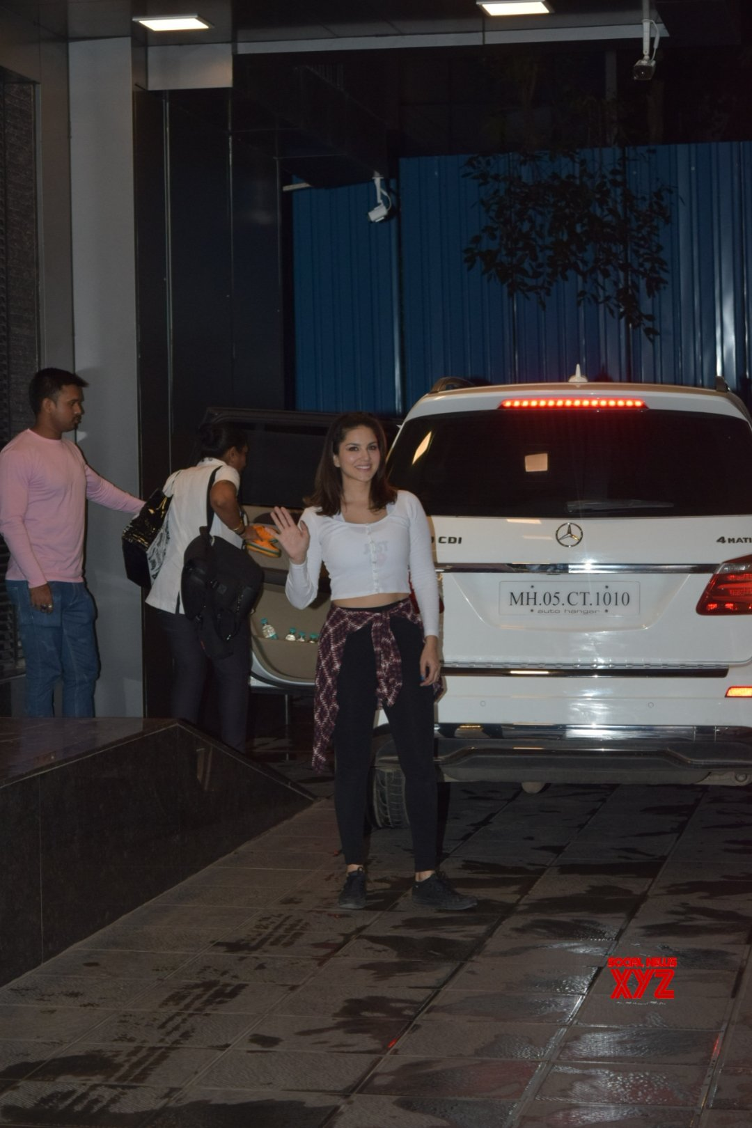 Actress Sunny Leone Spotted In Juhu Gallery
