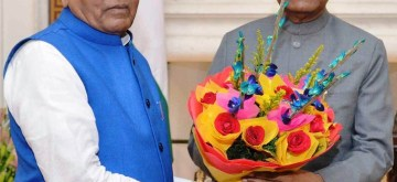 New Delhi: Haryana Governor Satyadeo Narain Arya meets President Ram Nath Kovind in New Delhi on Nov 7, 2019. (Photo: IANS)