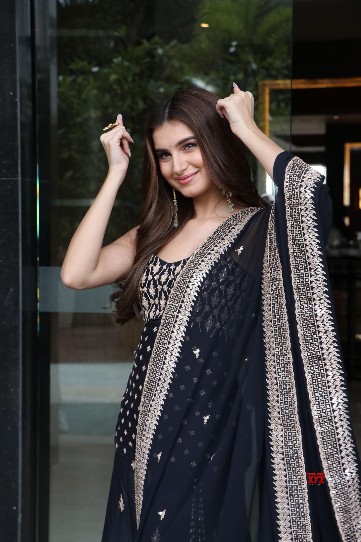Tara Sutaria, Riteish Deshmukh, and Siddharth Malhotra Spotted Promoting Marjaavaan Movie At Novotel Hotel HD Gallery