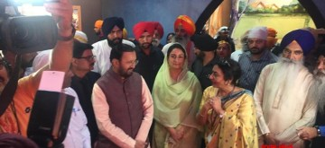 Sultanpur Lodhi: Union Ministers Prakash Javadekar and Harsimrat Kaur Badal visit Digital Multi-Media Exhibition organised to commemorate the 550th birth anniversary of Guru Nanak Dev in Punjab's Sultanpur Lodhi, on Nov 8, 2019. (Photo: IANS/PIB)
