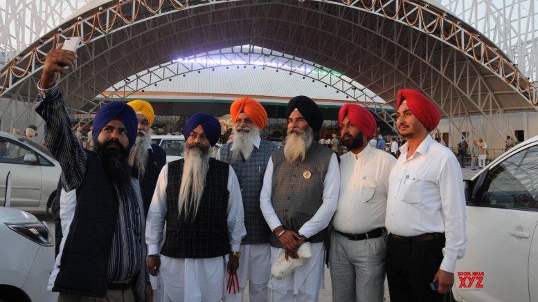 Second batch of pilgrims reach Pak via Kartarpur Corridor