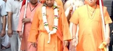 Gorakhpur: Uttar Pradesh Chief Minister Yogi Adityanath arrives to offer prayers on the occasion Vijayadashami at the Gorakhnath Temple in Gorakhpur, on Oct 8, 2019. (Photo: IANS)