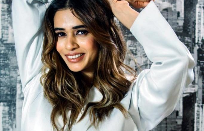 Naezy, Shalmali team up with global pop group Now United