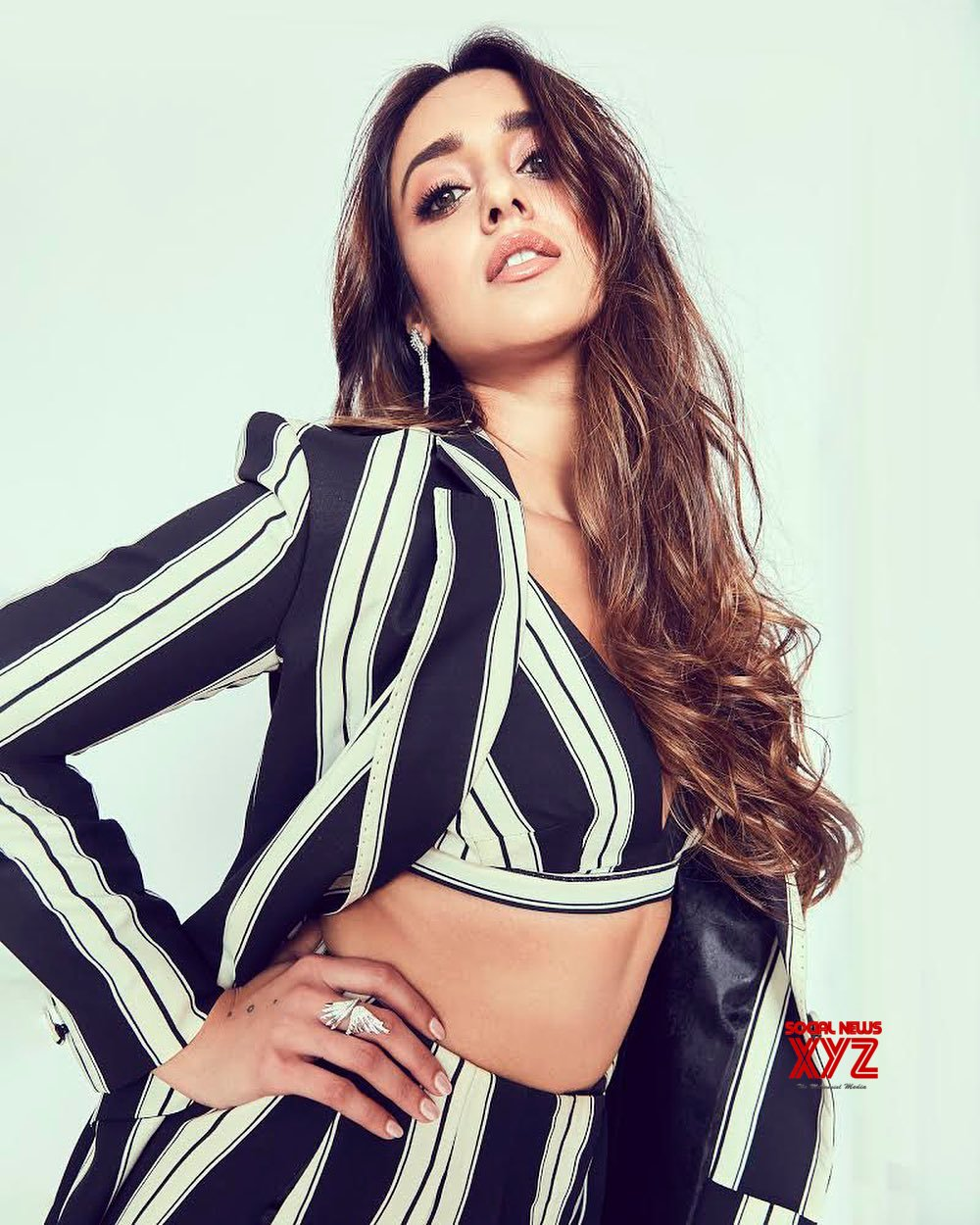 Ileana D Cruz Hot And Sexy Images actress ileana d'cruz latest hot and glam stills - social