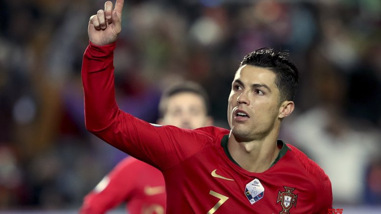 Ronaldo's maiden Serie A hat-trick for Juventus