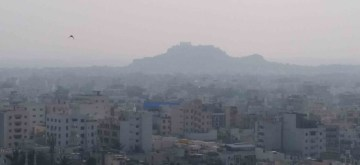 Hyderabad: A blanket of fog covers Hyderabad on Nov 29, 2019. (Photo: IANS)