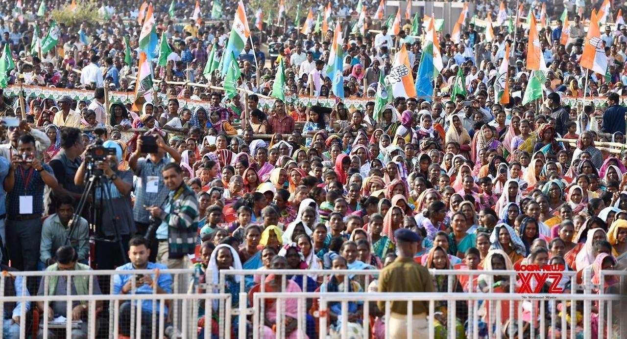 Simdega: Rahul Gandhi addresses public rally in Jharkhand #Gallery