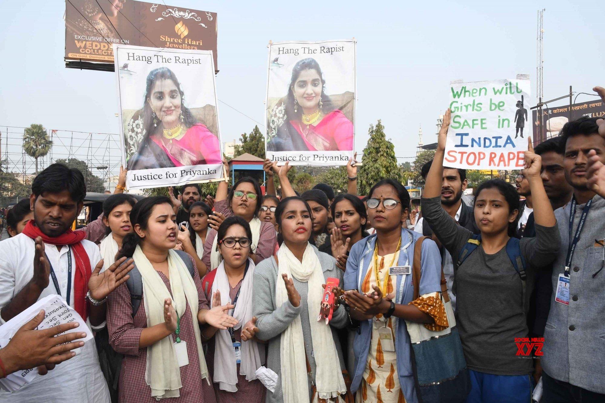 Patna: Samta Yuva Manch's demonstration against Hyd gang rape - murder #Gallery
