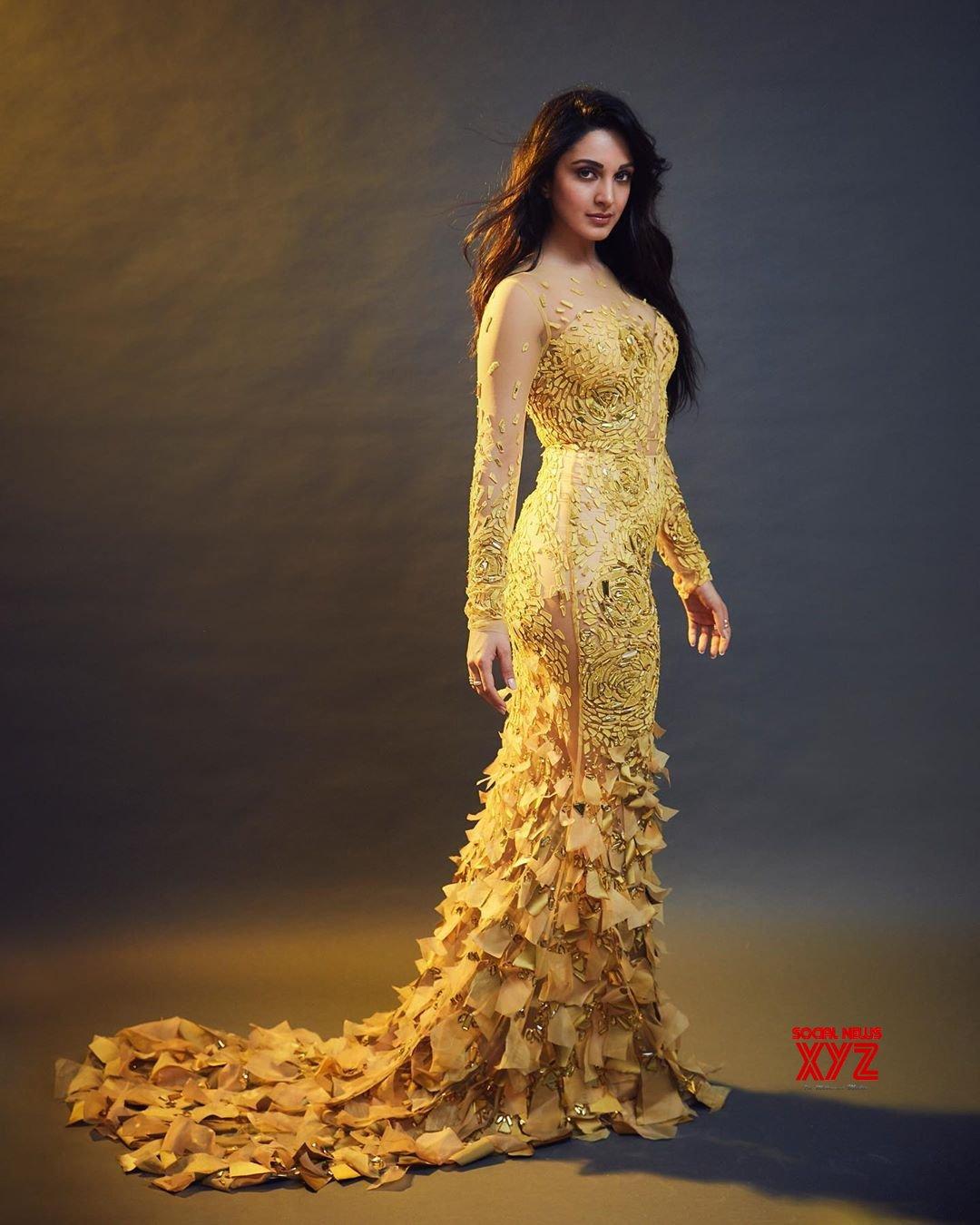 Actress Kiara Advani Hot And Sexy Stills From Filmfare