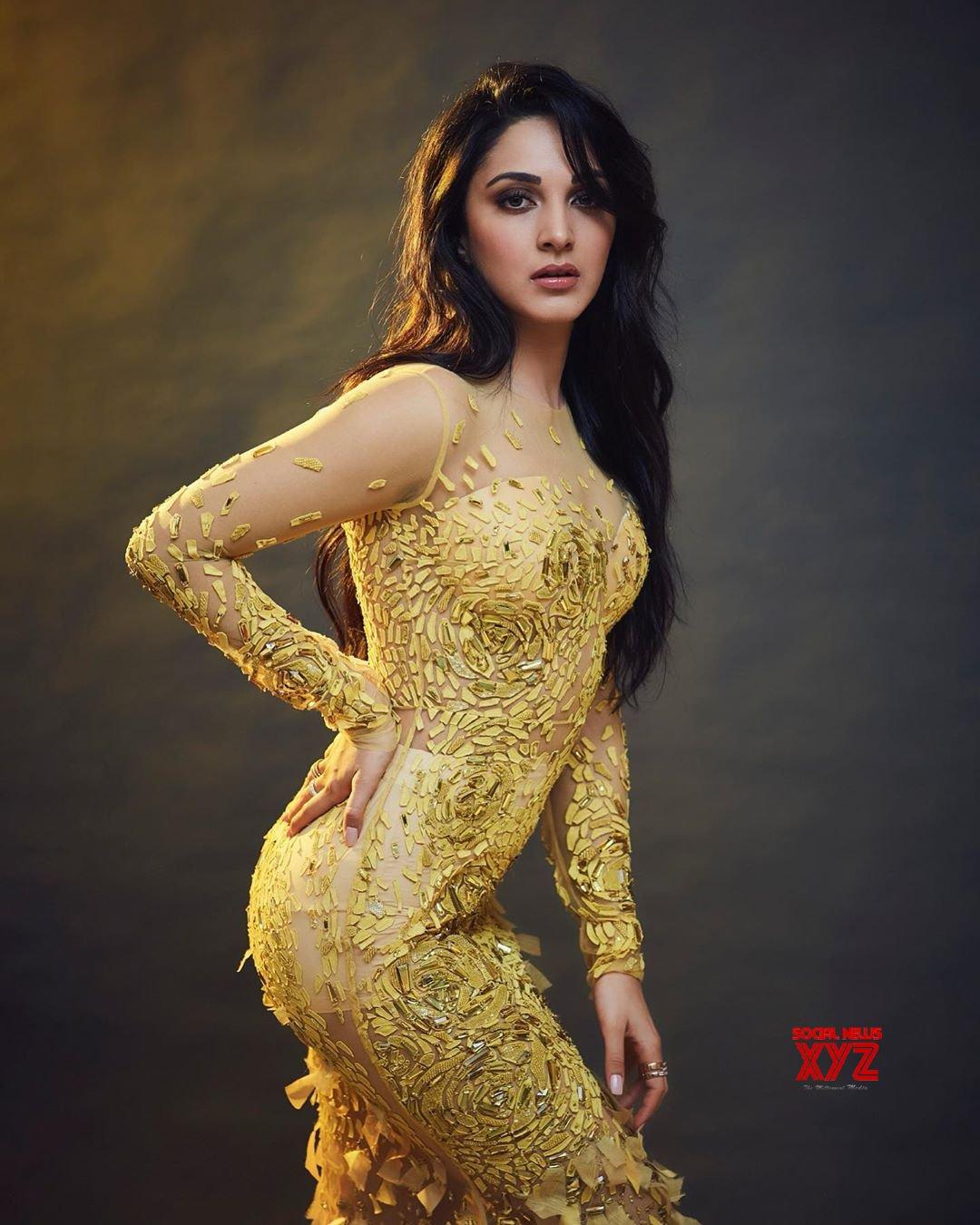 Actress Kiara Advani Hot And Sexy Stills Styled Maneka