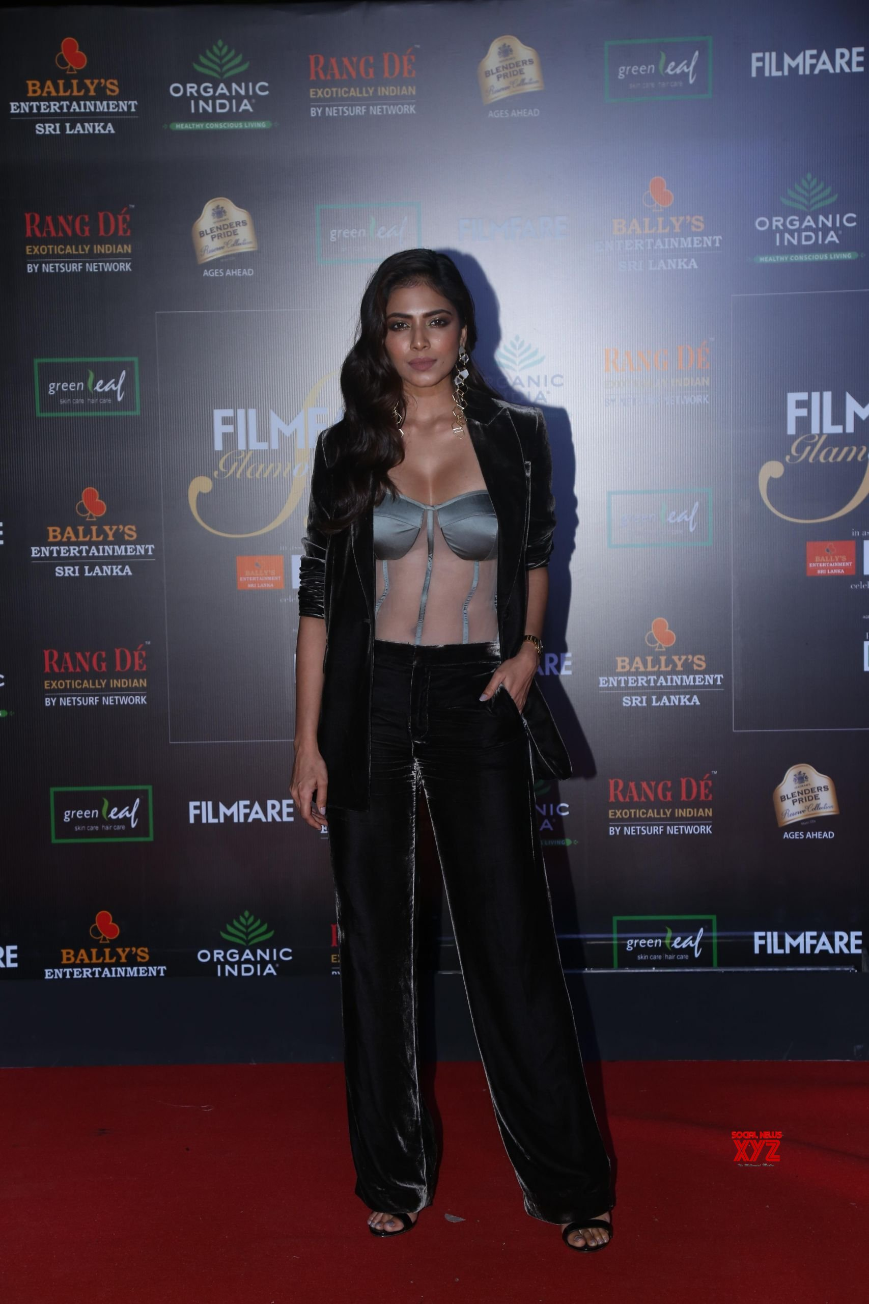 Celebs At Filmfare Glamour And Style Awards 2019 Red Carpet At Taj Lands End In Bandra HD Gallery Set 2