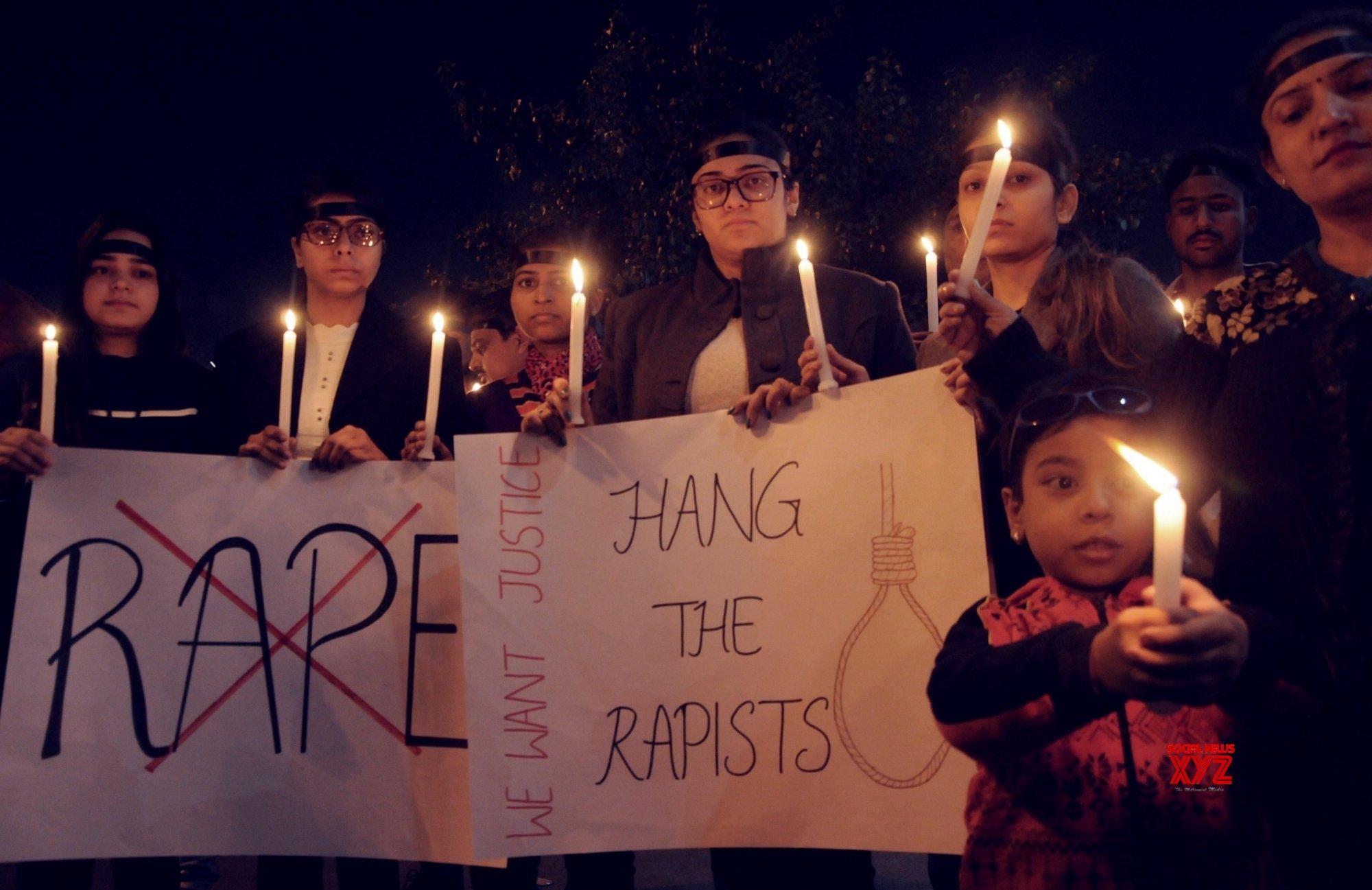 Amritsar: Hyderabad gang rape - murder - People take out candlelight vigil #Gallery