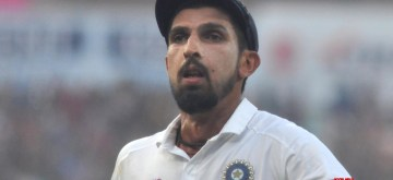 kolkata: India's Ishant Sharma on Day 1 of the 2nd Test match between India and Bangladesh at the Eden Gardens in Kolkata on Nov 22, 2019. This is India and Bangladesh's first pink ball Day-Night Test match. (Photo: Kuntal Chakrabarty/IANS)