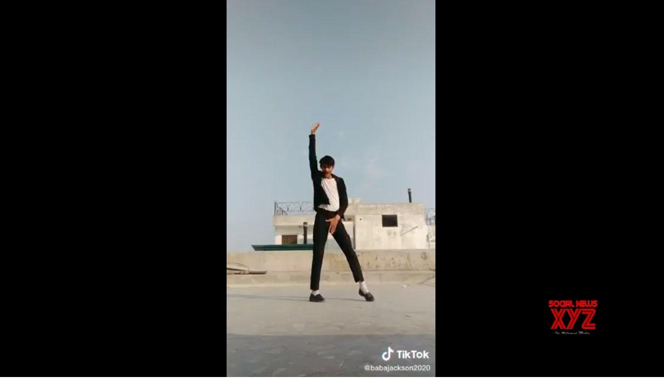 Hrithik shares video of 'smoothest airwalker'