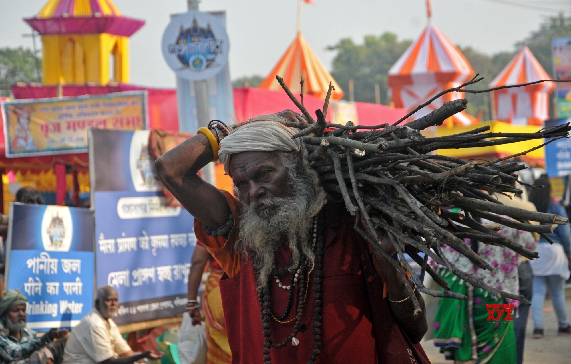 Kolkata: Seers at Babughat transit camp on Makar Sankranti #Gallery
