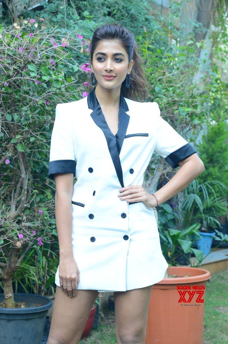 Actress Pooja Hegde Hot Stills From Allu Arjun's Ala Vaikunthapurramuloo Movie Interview Set 1