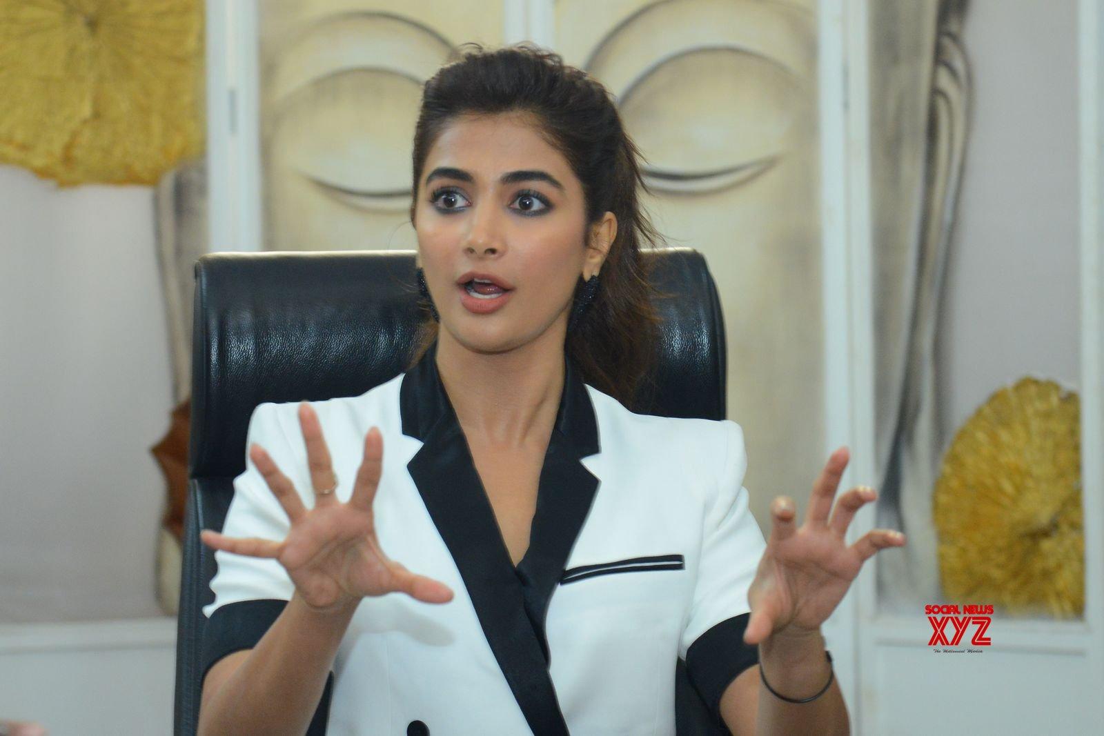 Actress Pooja Hegde Hot Stills From Allu Arjun's Ala Vaikunthapurramuloo Movie Interview Set 2