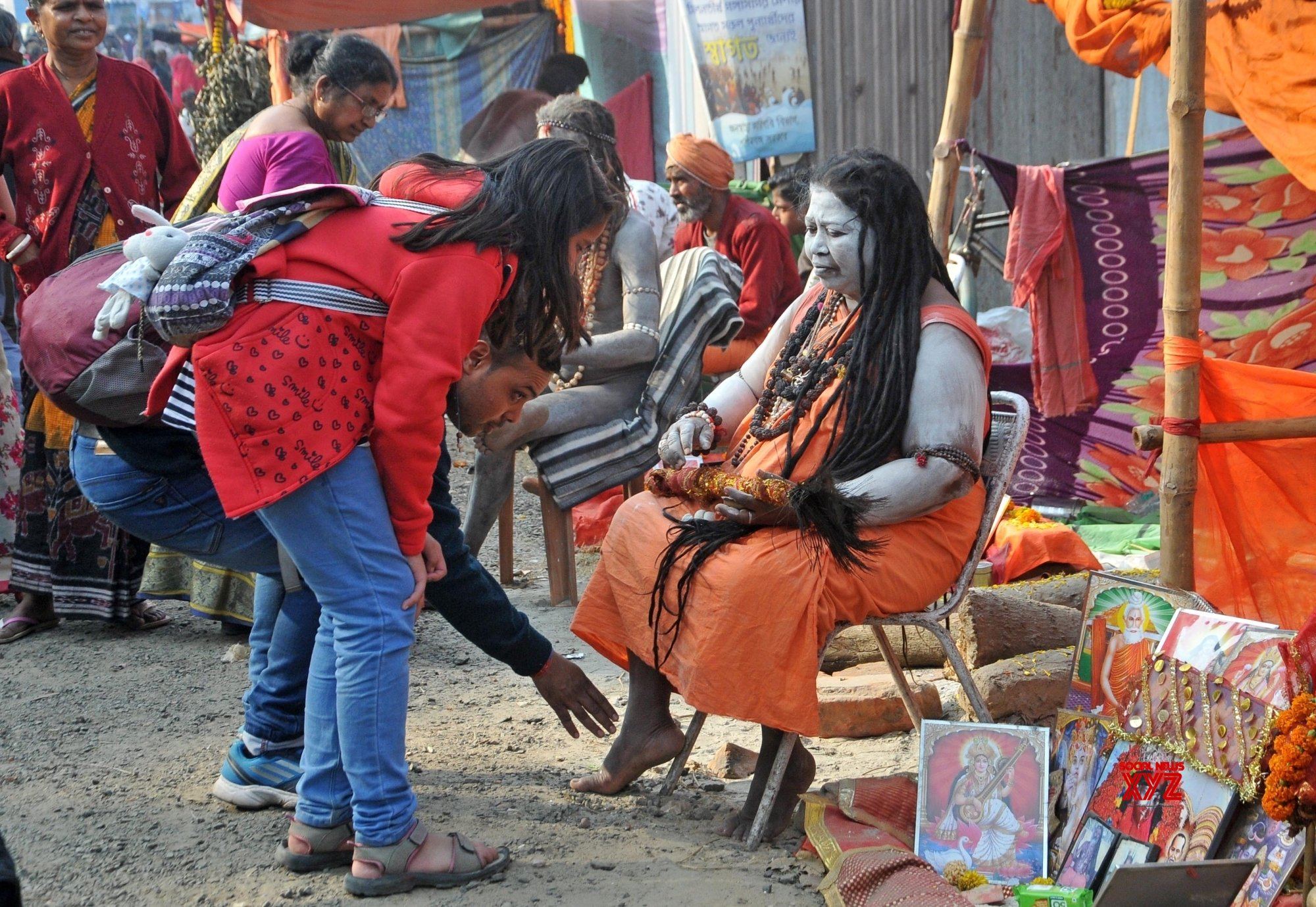 Kolkata: Seers at Babughat transit camp on the eve of Makar Sankranti #Gallery