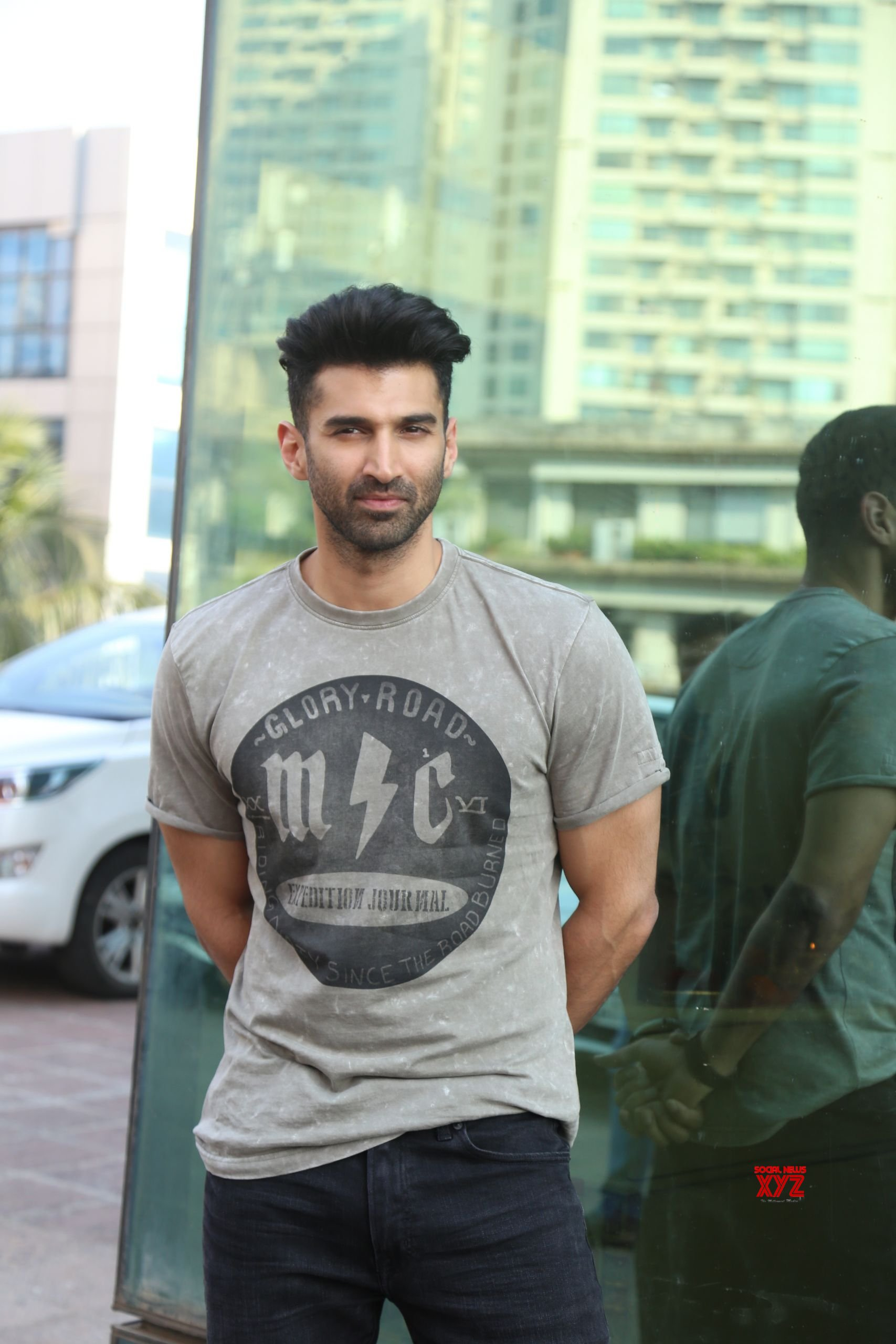Disha Patani And Aditya Roy Kapoor At Luv Films Office In Andheri For The Promotions Of Film Malang Hd Gallery Social News Xyz