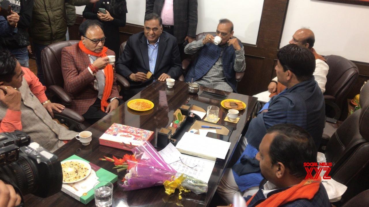 New Delhi: Newly elected BJP MLAs meet Manoj Tiwari #Gallery