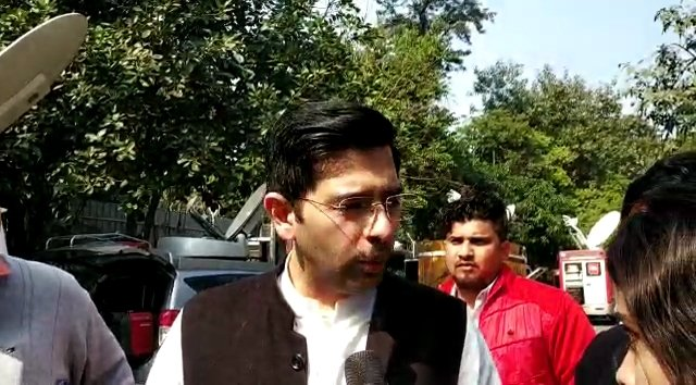 New Delhi: Newly elected AAP MLAs arrive at Kejriwal's residence for party meeting #Gallery
