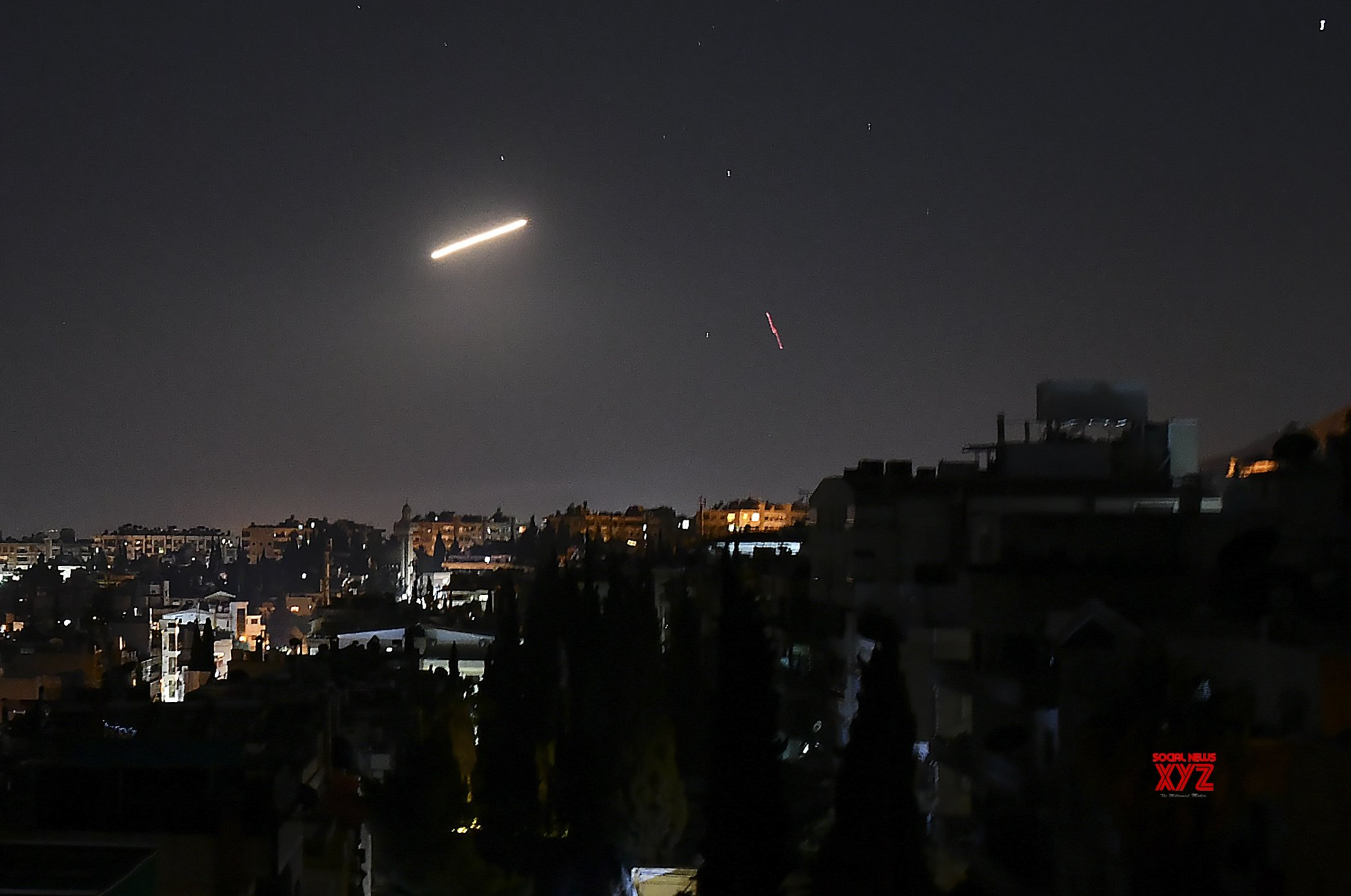 Israeli Jets Spark Panic in Lebanon during Syria Raid