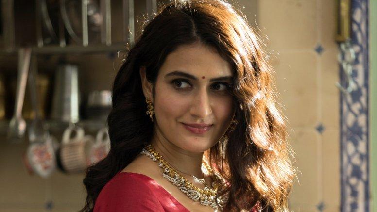 Fatima Sana Shaikh nails Marathi look in 'Suraj Pe Mangal Bhari'