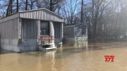 Flood forces Mississippi residents to flee homes (Video)