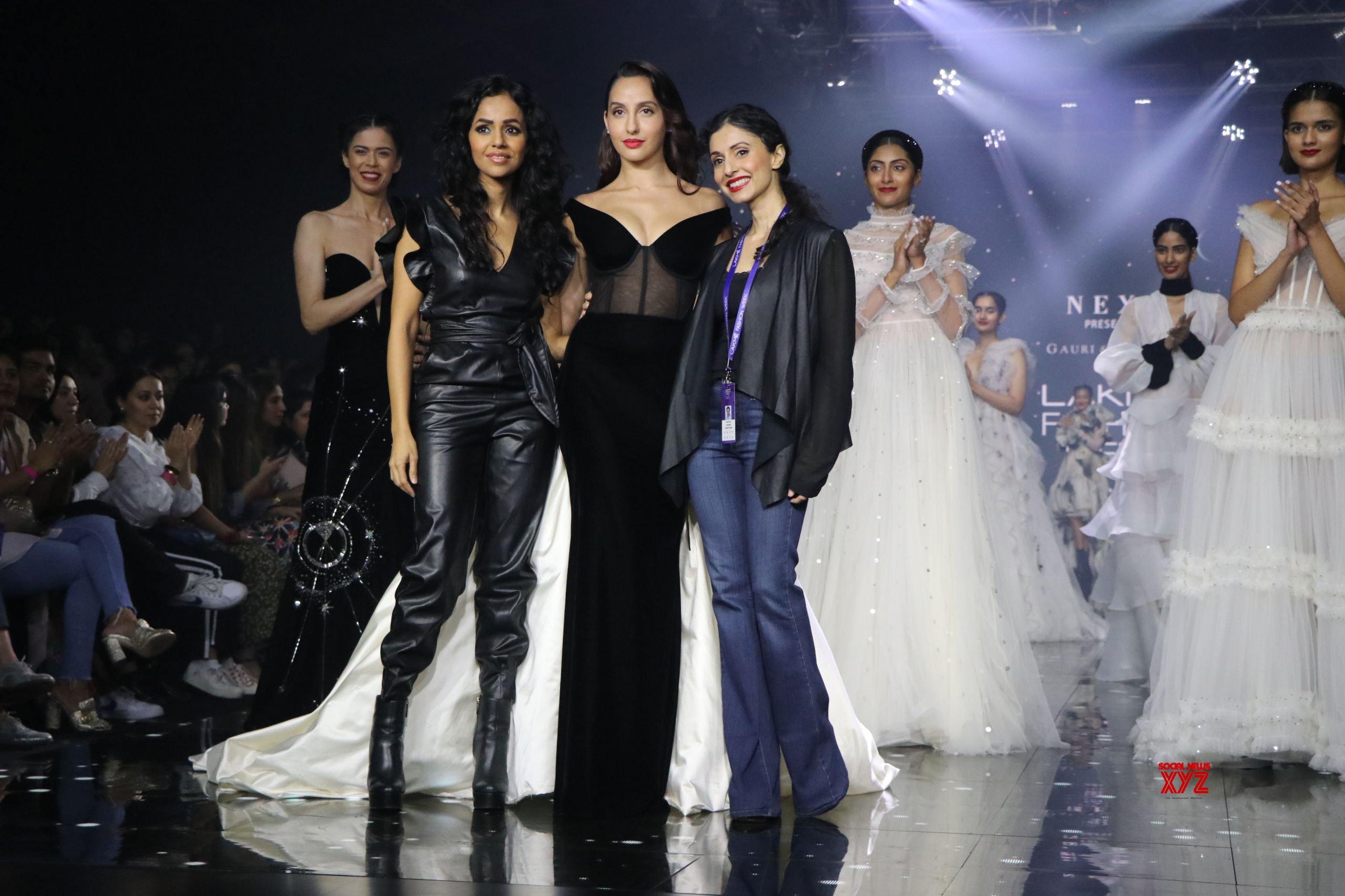Nora Fatehi Walks For Gauri And Nainika At Lakme Fashion Week Summer Resort 2020 HD Gallery