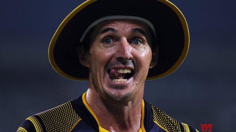 No Kohli or Pujara in Hogg's current world Test XI
