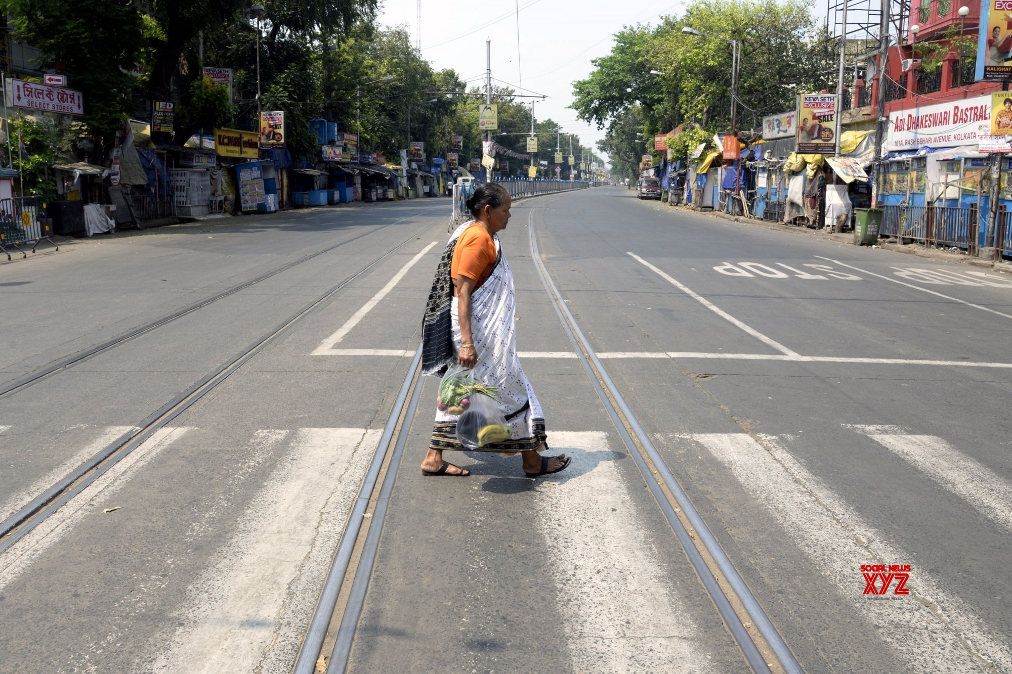 Kolkata: City comes to a standstill during 21 - day lockdown #Gallery
