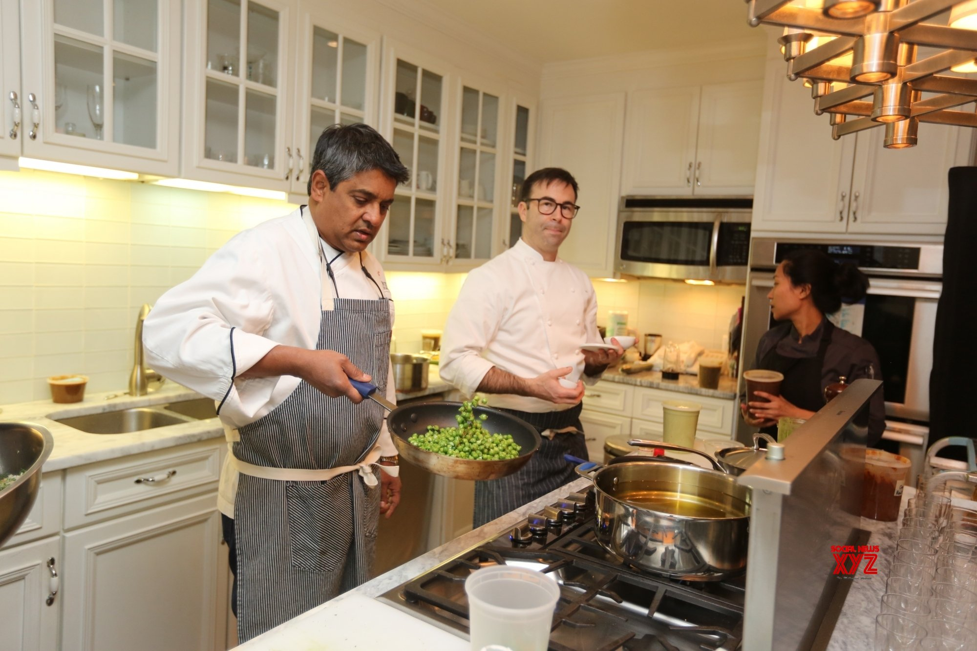 New York: Famed chef Floyd Cardoz passes away due to Covid - 19 #Gallery