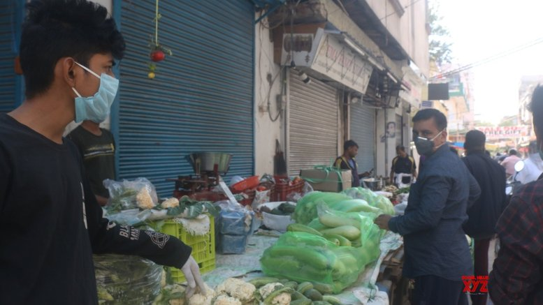 Shop charging more than MRP, Delhi govt tells shopskeepers