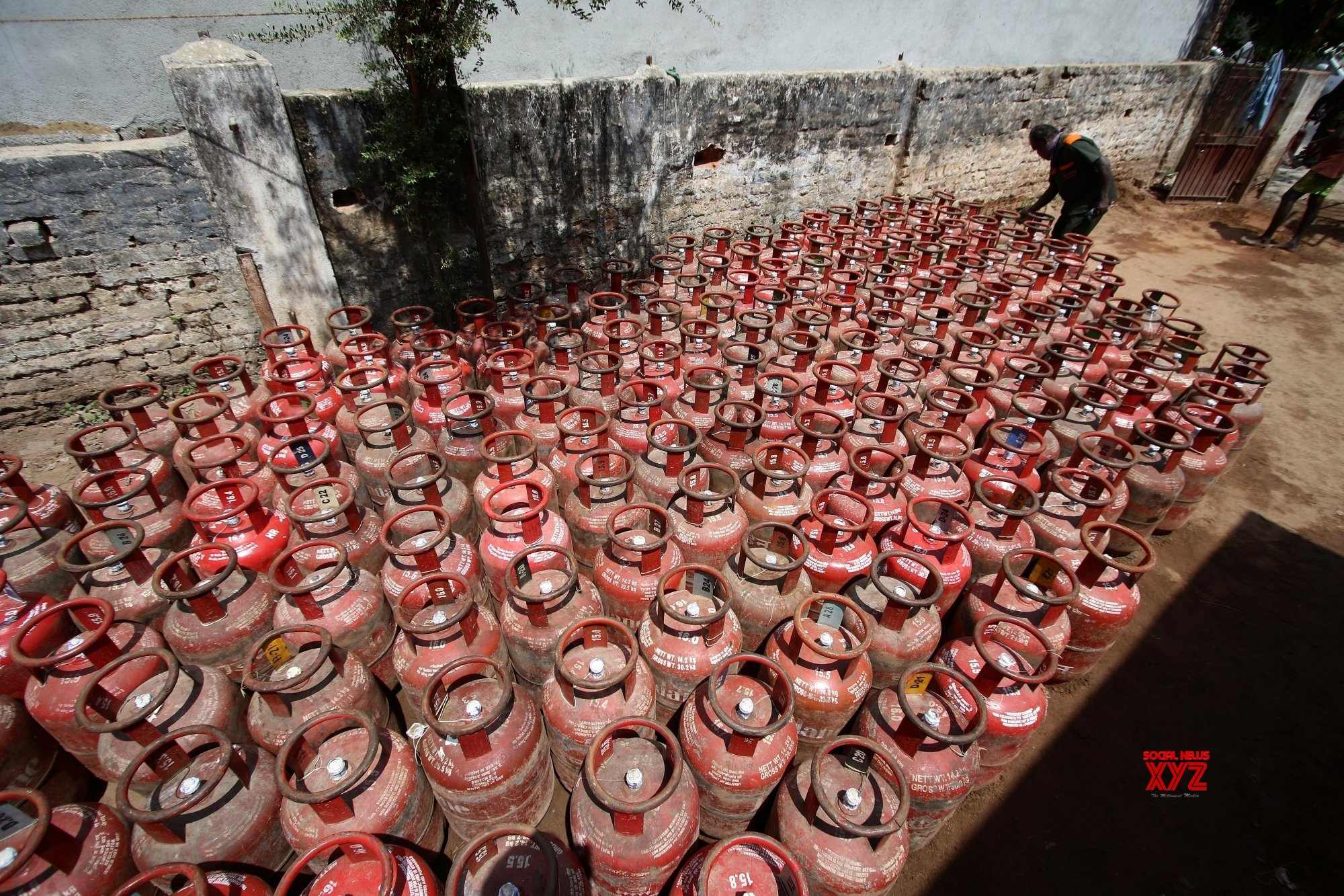 Chennai: LPG Gas cylinders at a godown on Day 2 of 21 - day nationwide lockdown #Gallery