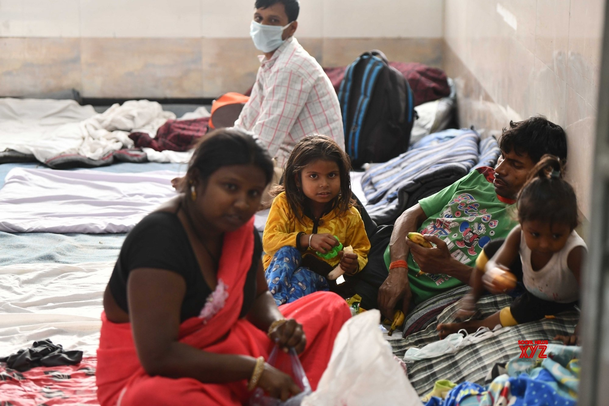 New Delhi: Migrant workers sheltered inside a Government school #Gallery
