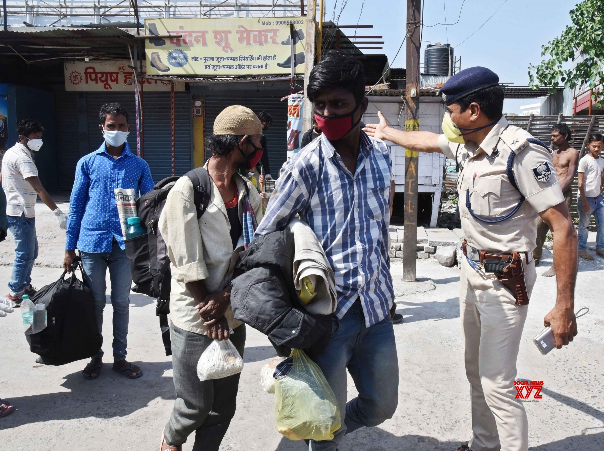 Patna: Migrant workers sent to relief camps during lockdown #Gallery