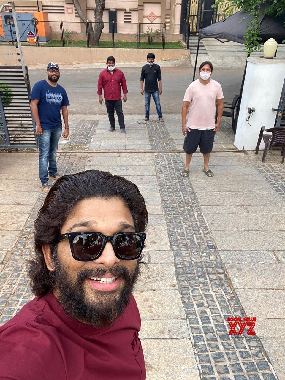 Stylishstar Allu Arjun's Team Met Him At His Residence And Wished Him On His Birthday