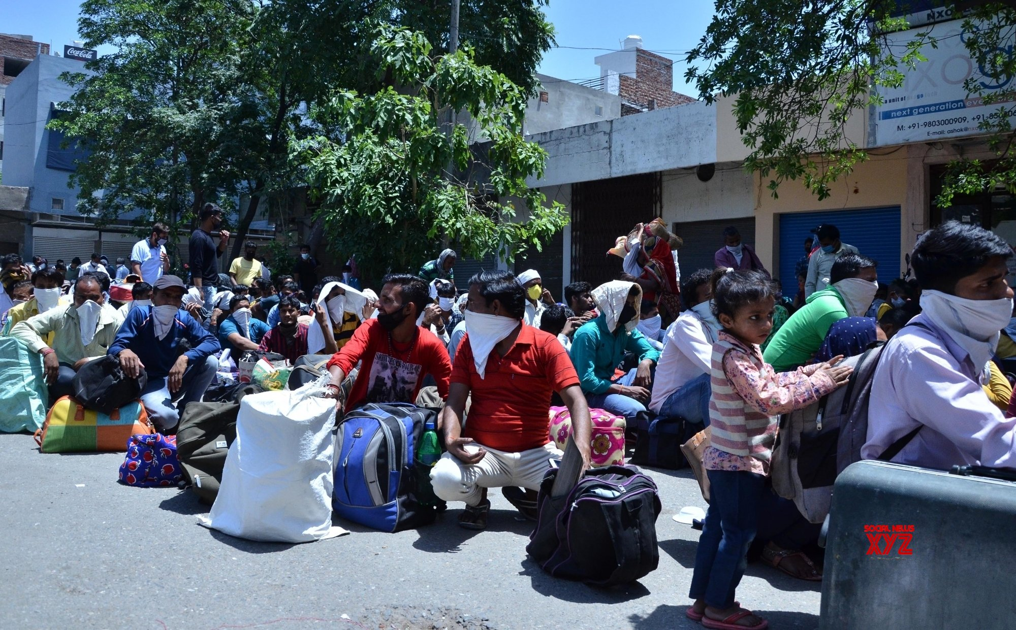 Amritsar: UP migrant workers return home during lockdown - 4 #Gallery
