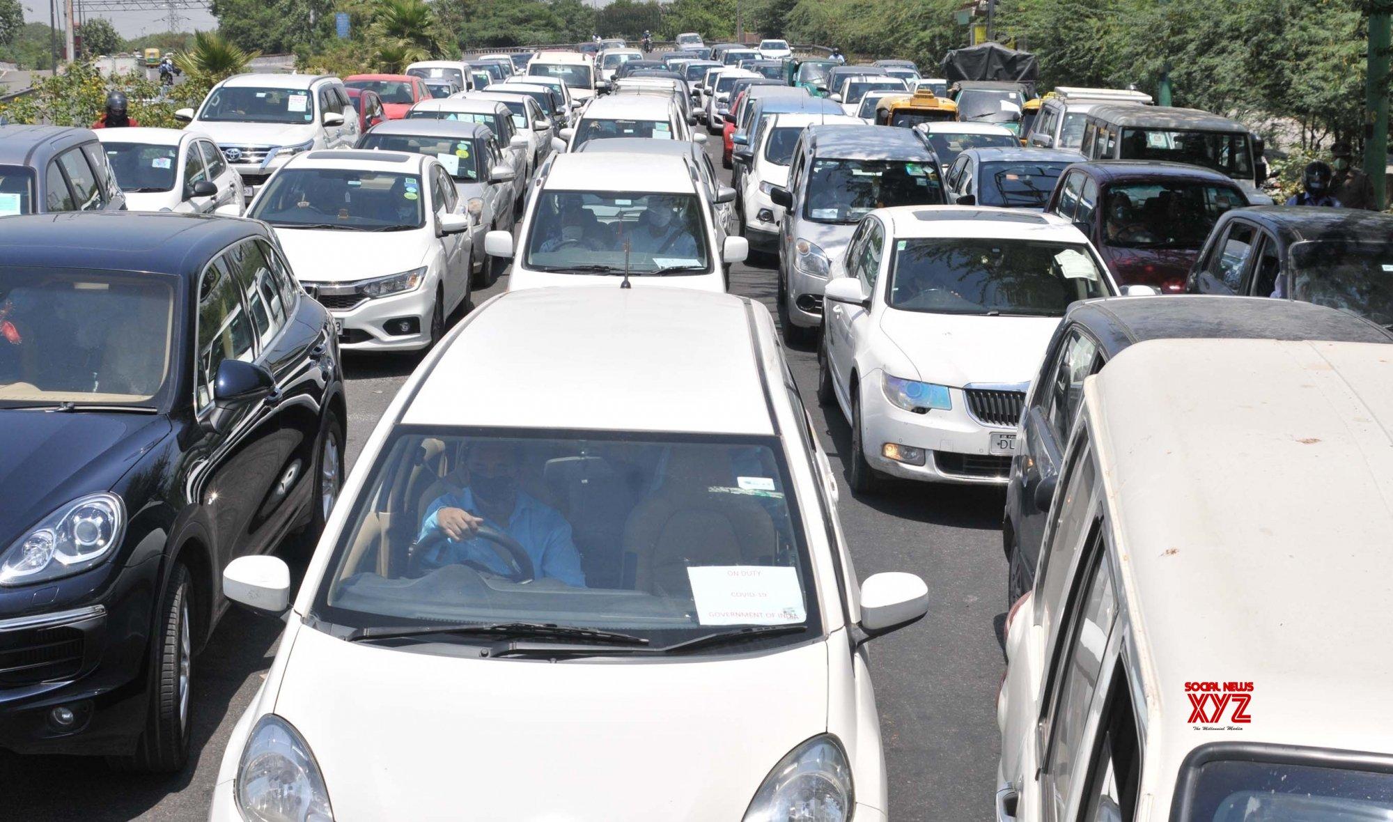 Noida: Delhi - Noida border witnesses massive traffic jam as curbs ease during lockdown - 4 #Gallery