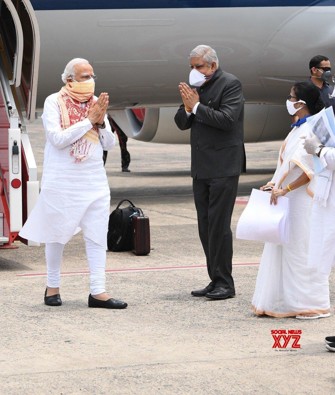Kolkata: Cyclone Amphan: PM Modi reaches WB to take stock of the situation #Gallery