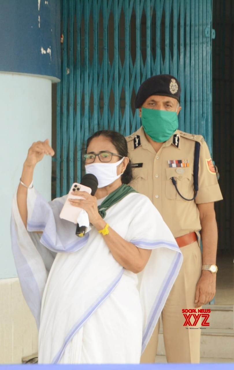Kakdwip (West Bengal): Bengal CM Mamata's press conference #Gallery